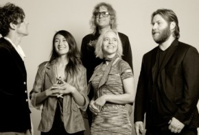 Intervju med The Besnard Lakes