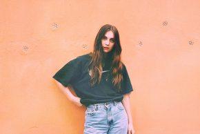 LYSSNA: Linn Koch-Emmery – Under TheSun